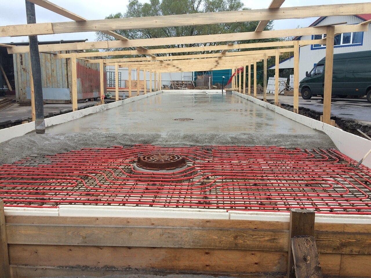 монолитный теплый бетонный пол для автомойки самообслуживания